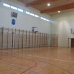 Sala gimnastyczna zlokalizowana na ostatniej kondygnacji budynku