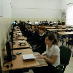 Uczniowie w trakcie zajęć w pracowni komputerowej #2